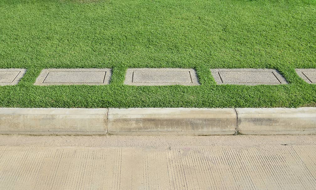 artificial turf on concrete curb